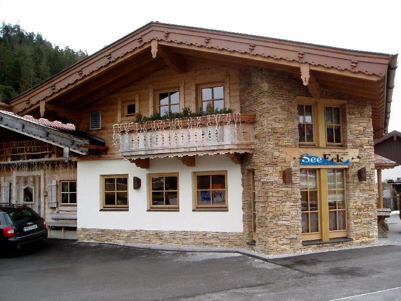 Фасад дома в стиле шале 3.