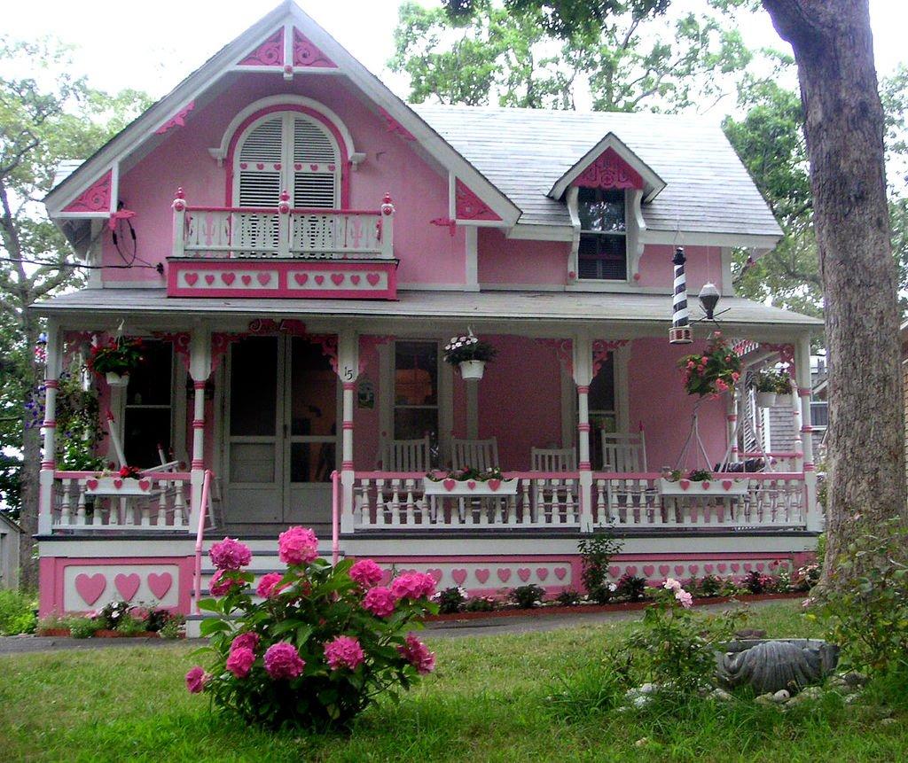 Розовый дом фото